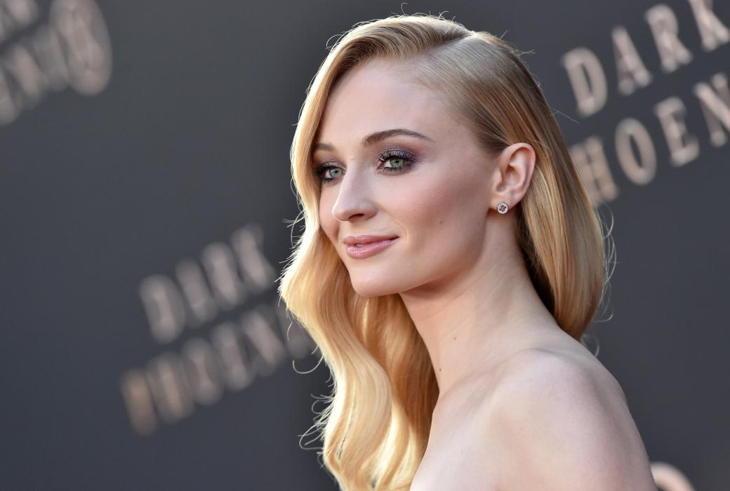 Sophie Turner Opens Up About Having Suicidal Thoughts